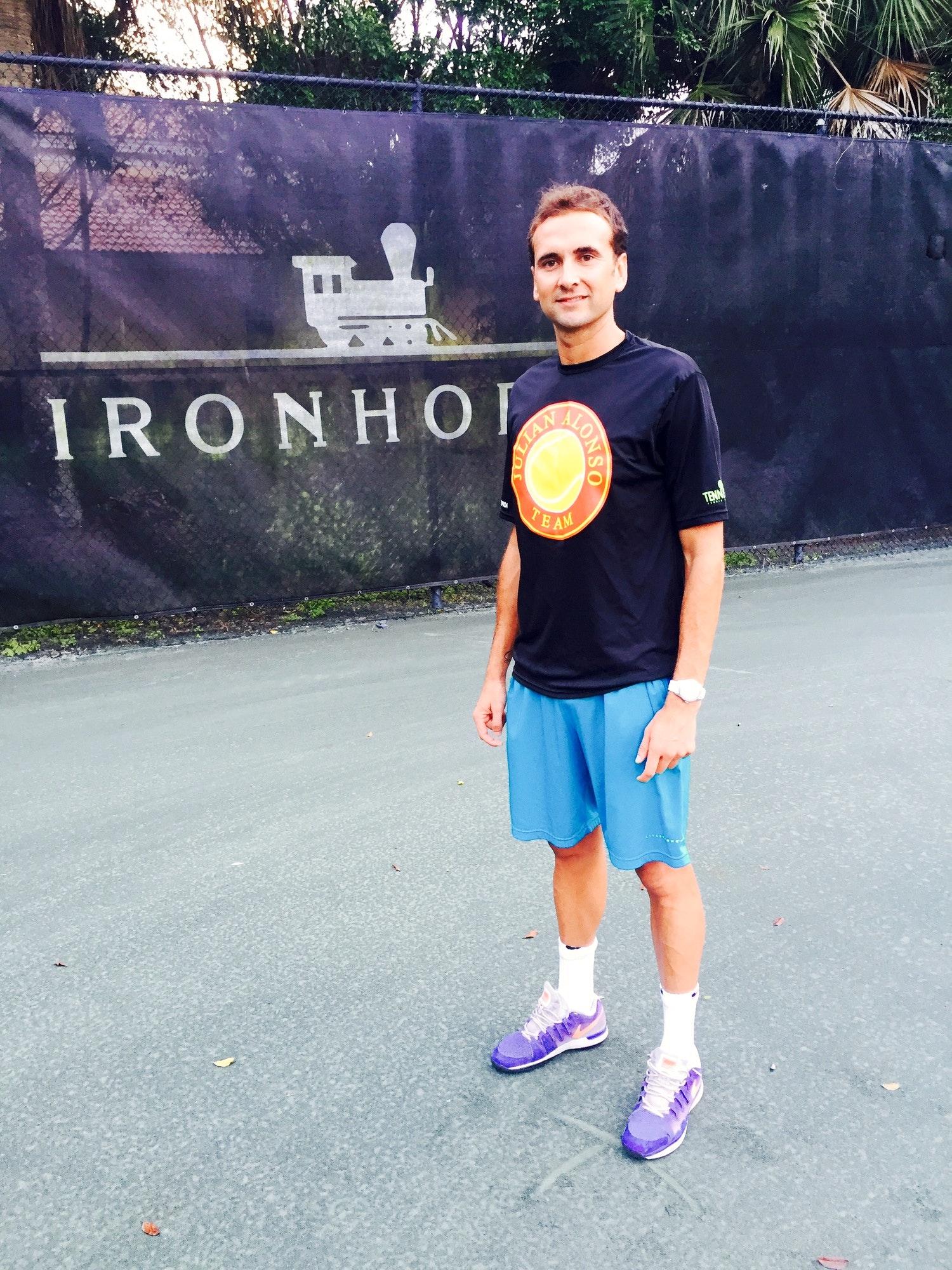 Sergio M. teaches tennis lessons in Jupiter, FL