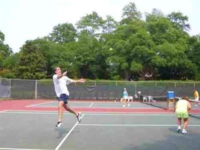 Bill F. teaches tennis lessons in Marietta, GA