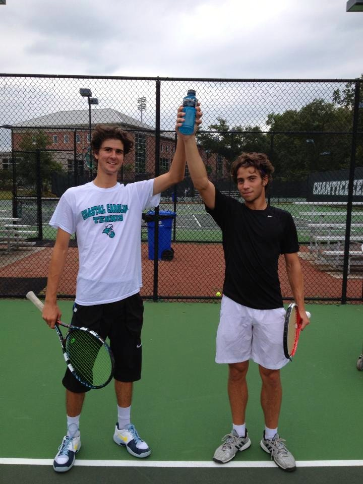 Renan R. teaches tennis lessons in Jupiter, FL