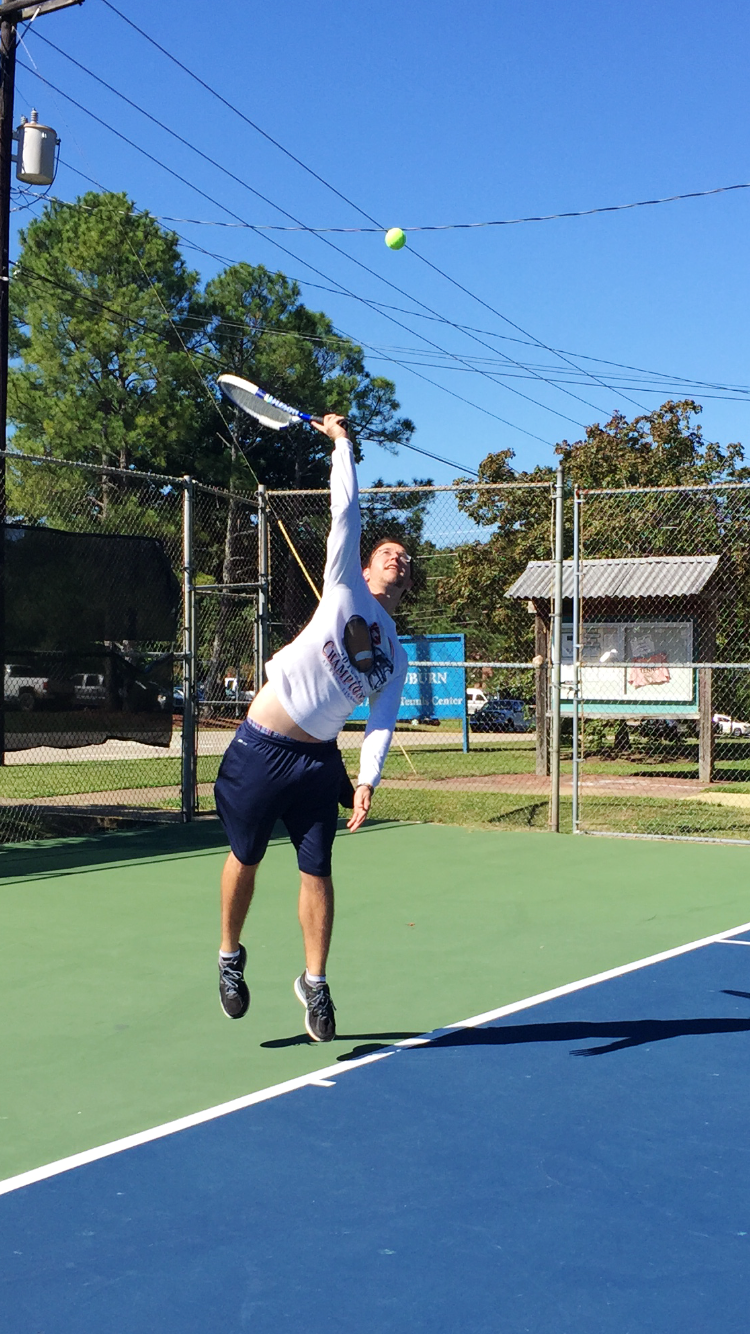 Matthew D. teaches tennis lessons in Nashville, TN