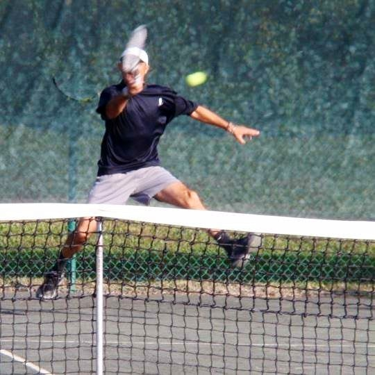 Driss T. teaches tennis lessons in Lake Mary , FL