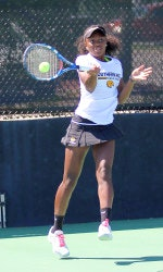 Alexus C. teaches tennis lessons in Dacula, GA