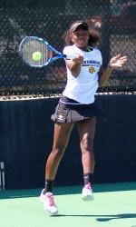Alexus C. teaches tennis lessons in Dacula, GA