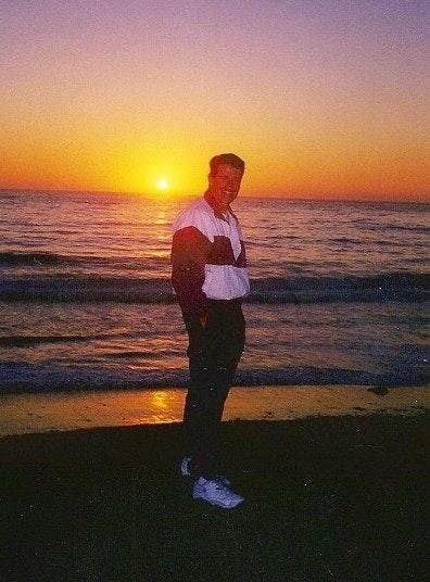 Eric W. teaches tennis lessons in San Diego, CA