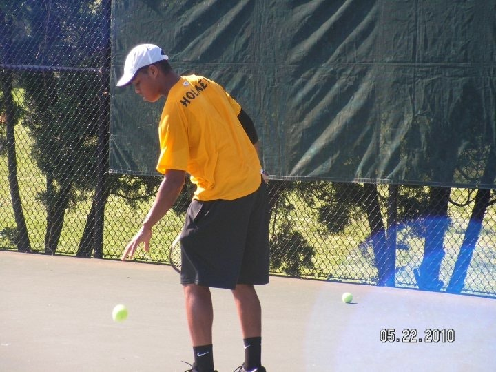 Marcus H. teaches tennis lessons in Florissant , MO