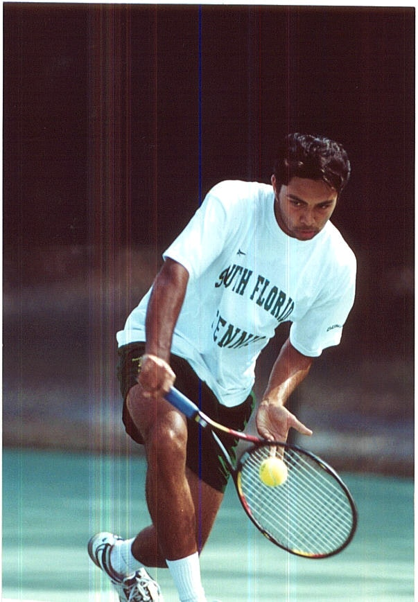 Abhijit S. teaches tennis lessons in Tampa, FL