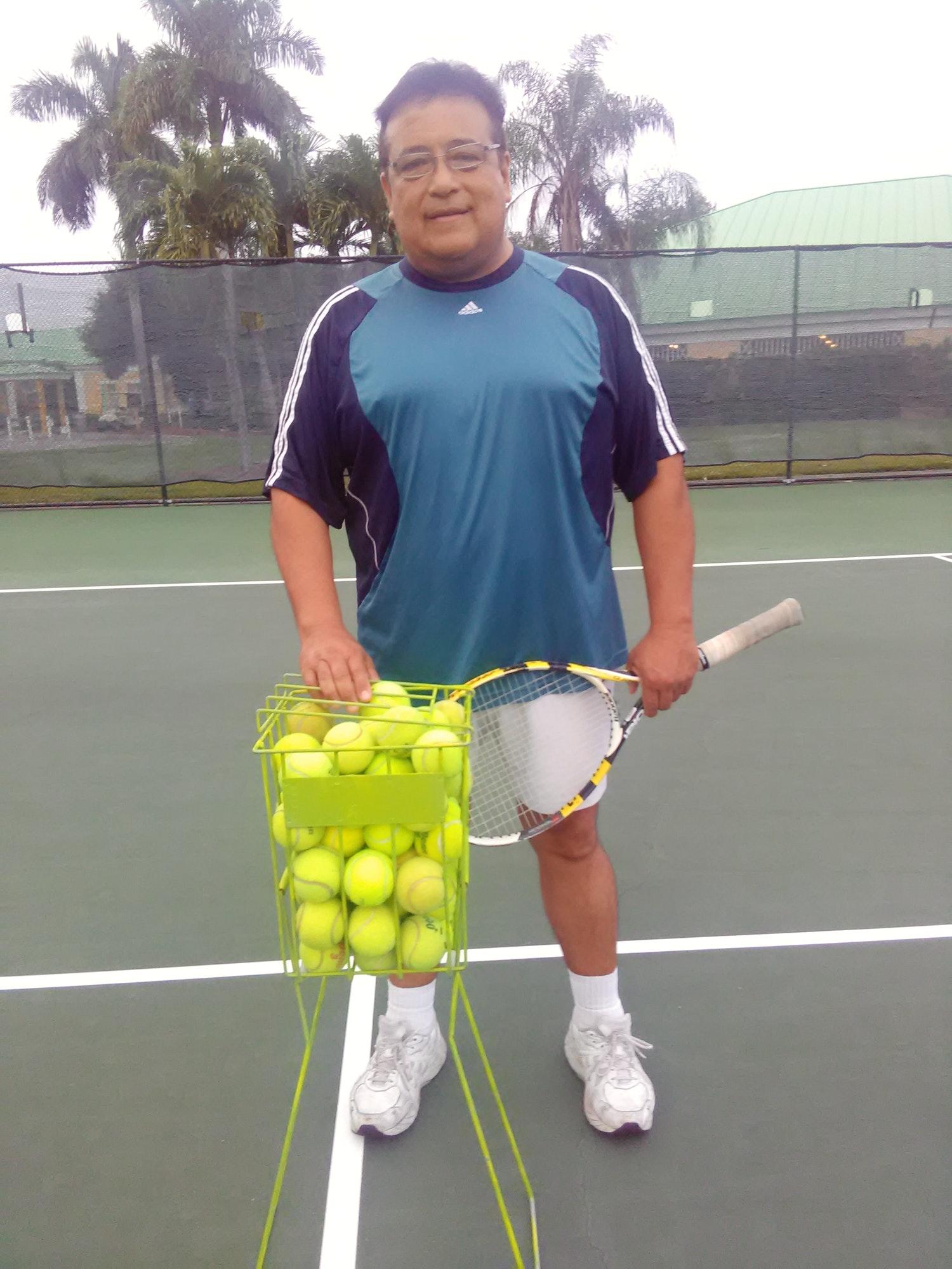 Jose X. teaches tennis lessons in Hialeah, FL