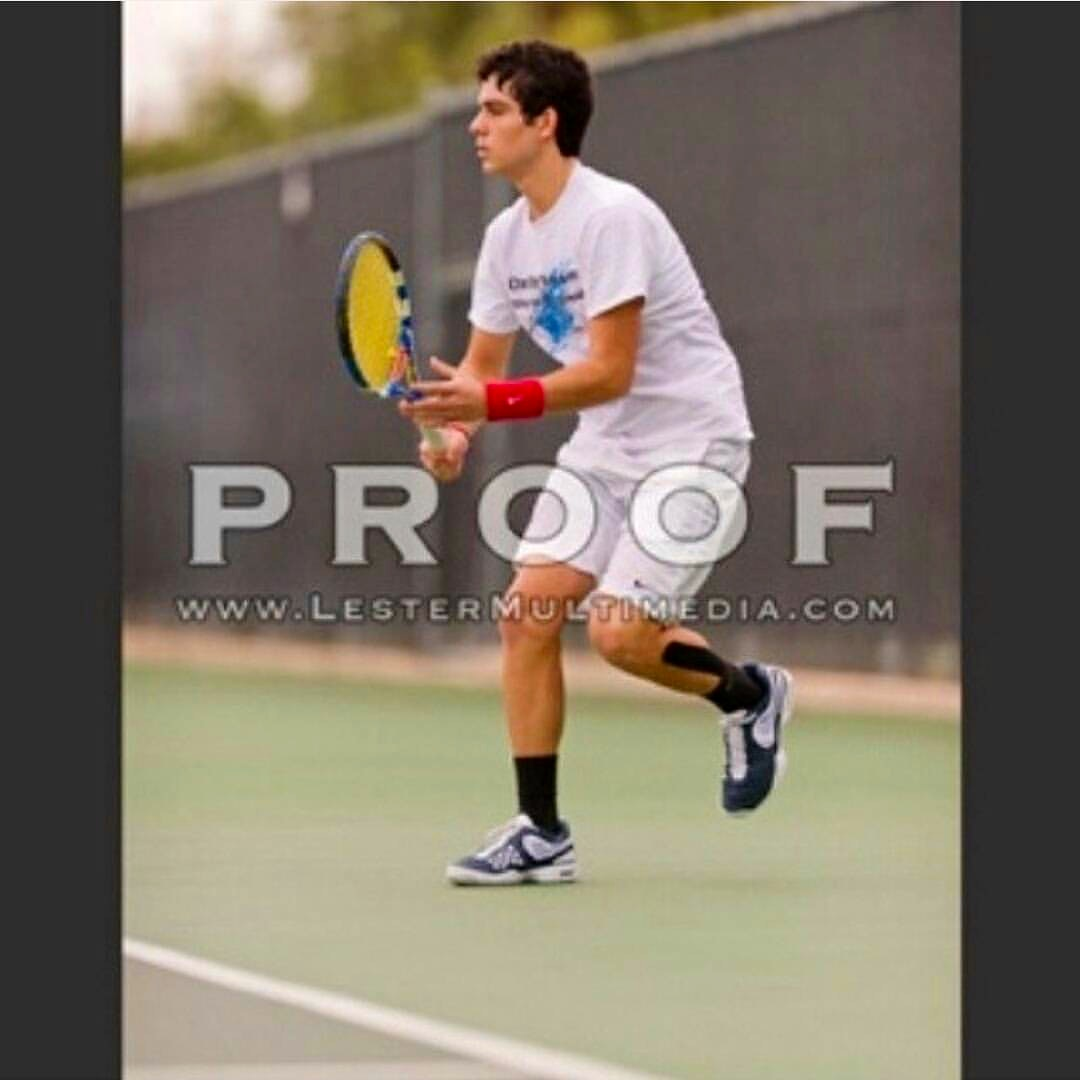 Agustin C. teaches tennis lessons in San Antonio, TX
