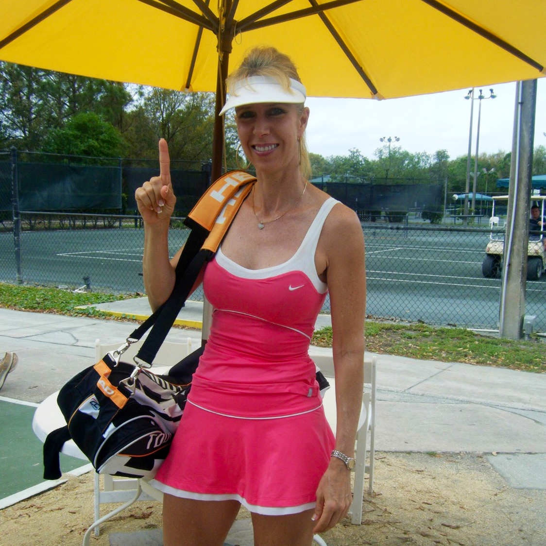Beth S. teaches tennis lessons in Clearwater, FL