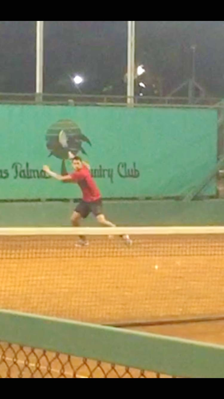 Thiago A. teaches tennis lessons in Aventura, FL