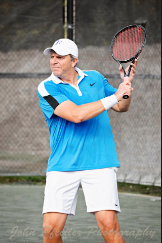 David F. teaches tennis lessons in Hollywood, FL