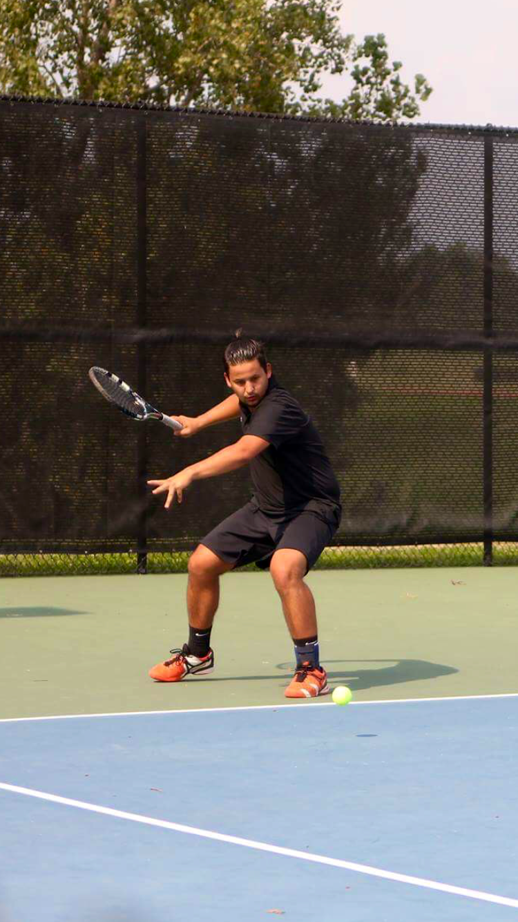 Anvar A. teaches tennis lessons in Edwardsville, IL