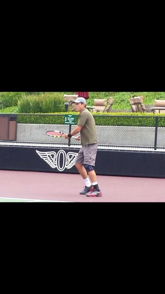 Omar R. teaches tennis lessons in Los Angeles, CA