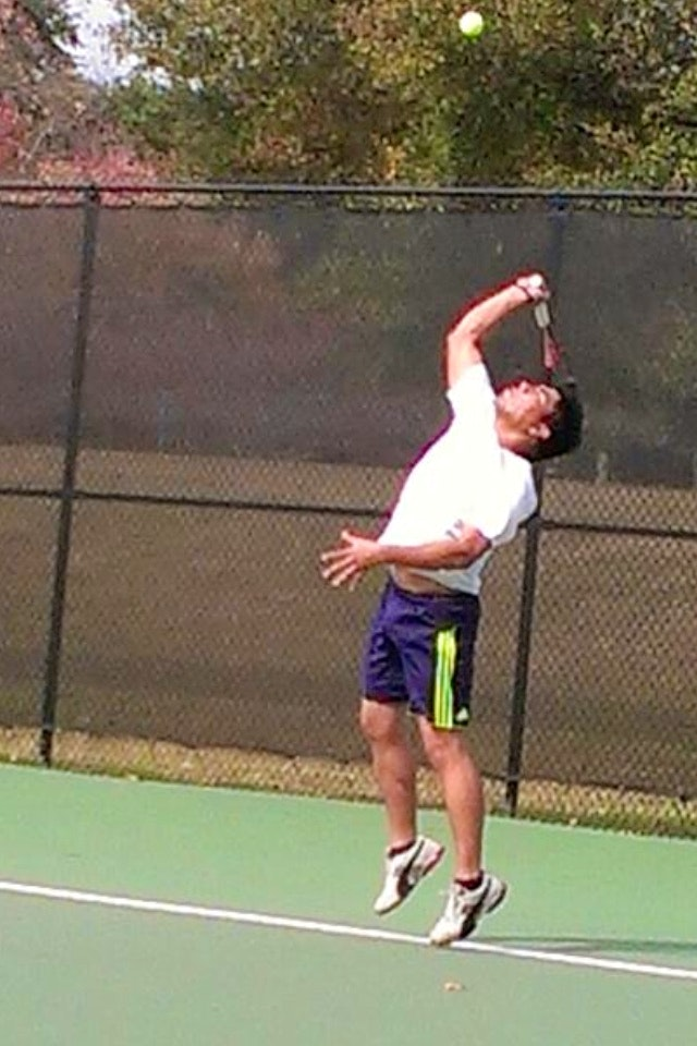 Sandeep T. teaches tennis lessons in Savannah, GA