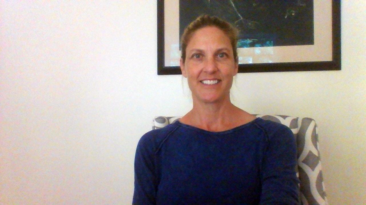 Lauren L. teaches tennis lessons in Mc Murray, PA