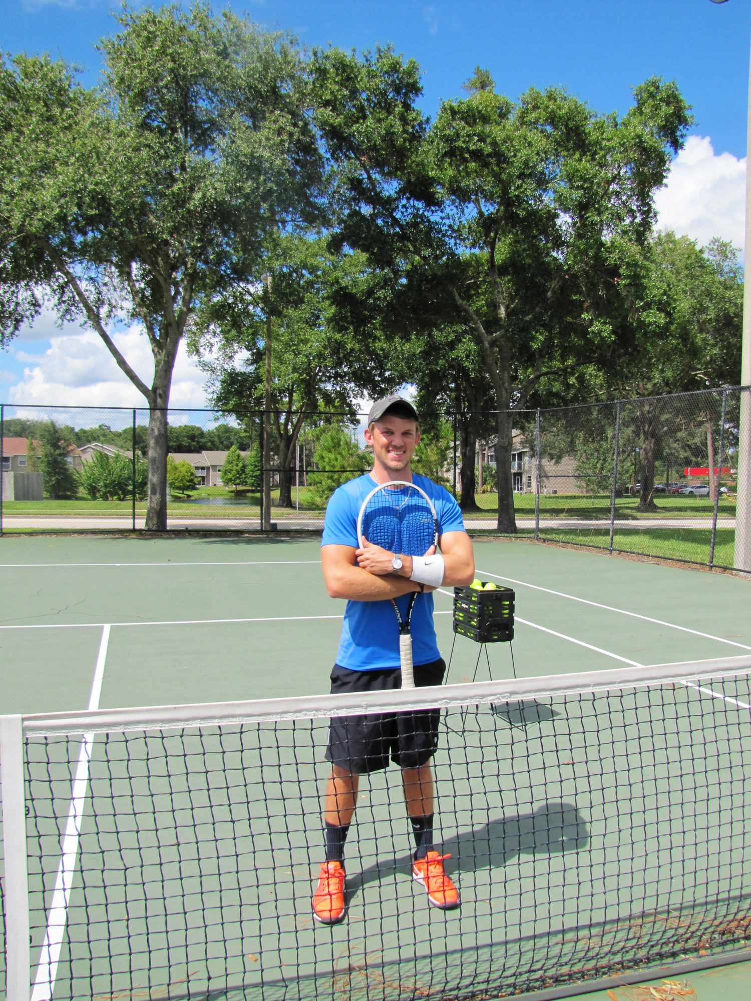 Zachary H. teaches tennis lessons in Orlando, FL