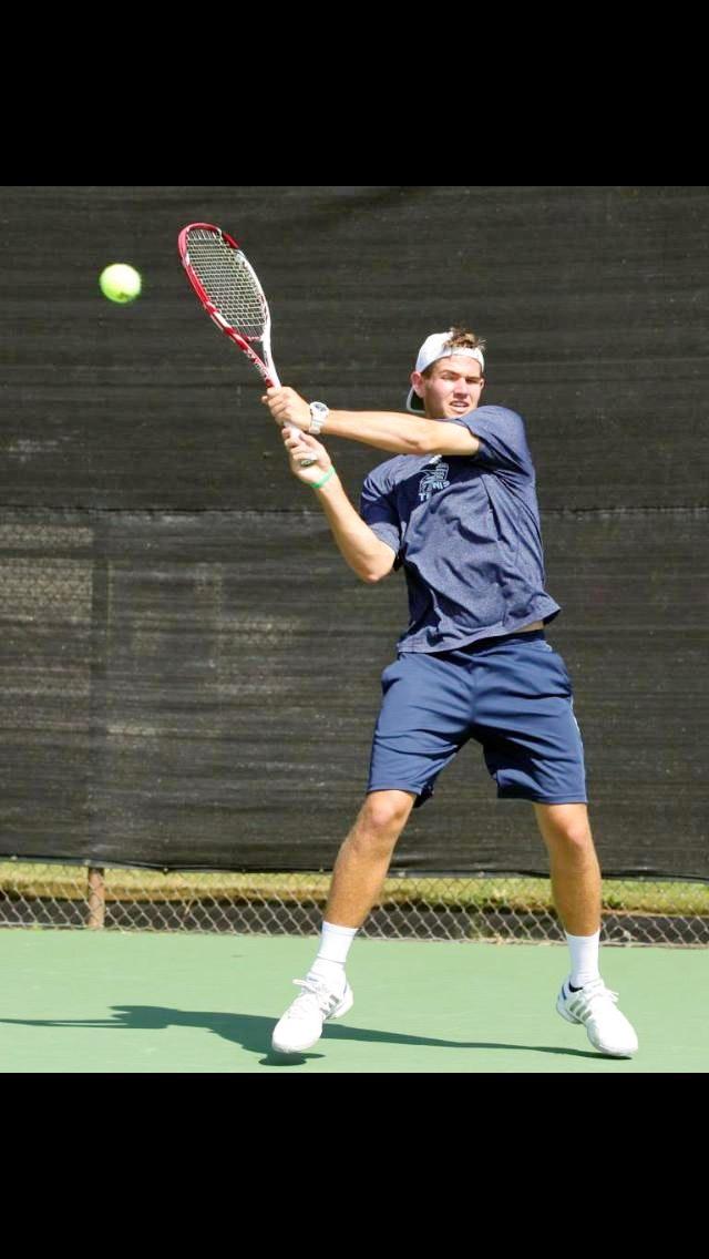 Daniel R. teaches tennis lessons in Atlanta , GA
