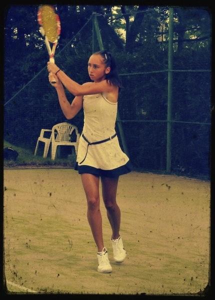 Anna L. teaches tennis lessons in Charleston, SC