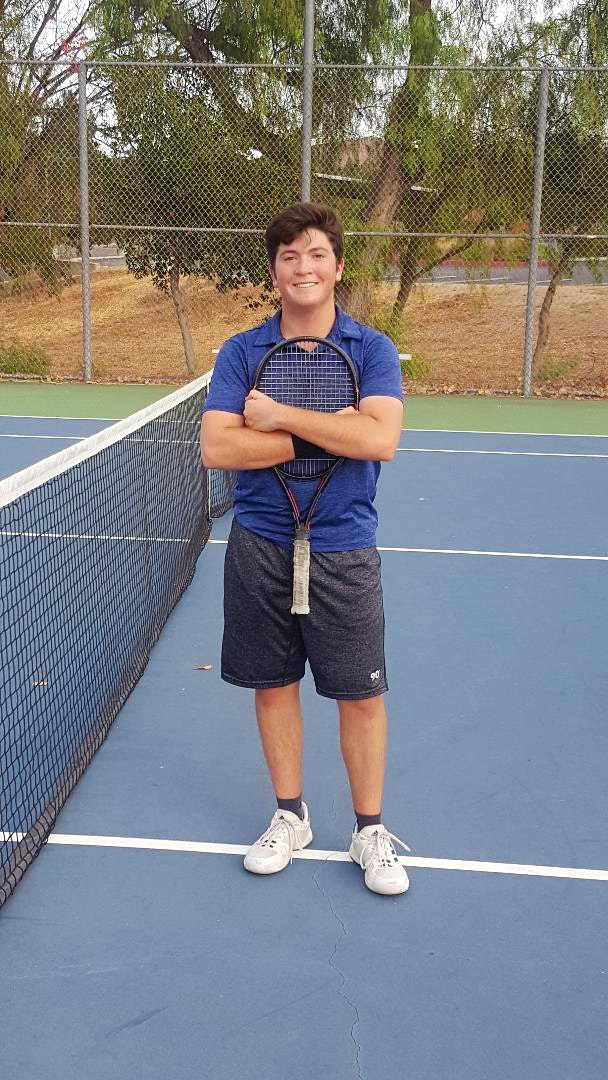 Justin Z. teaches tennis lessons in Thousand Oaks, CA