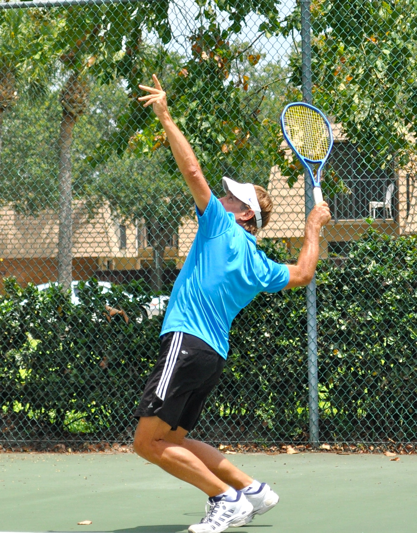 Dennis G. teaches tennis lessons in Palm Beach Gardens, FL