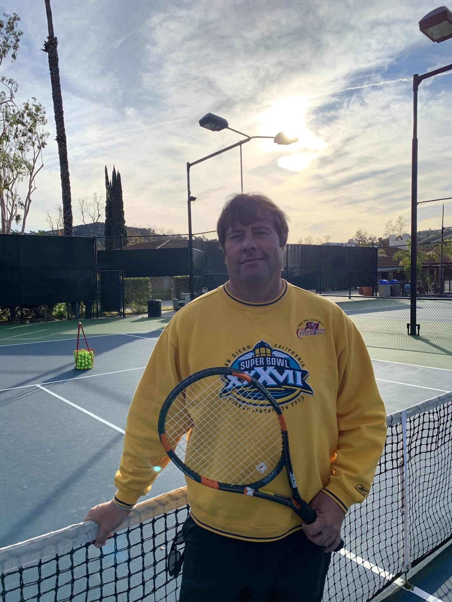 Brett W. teaches tennis lessons in Calabasas, CA
