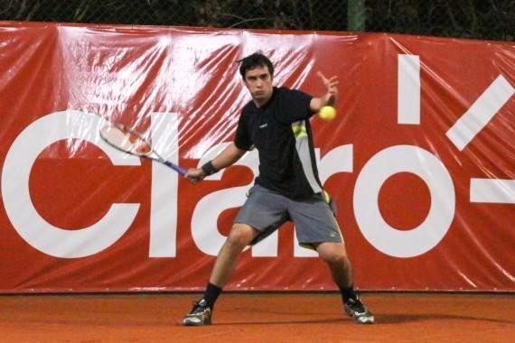 Pedro P. teaches tennis lessons in Los Angeles, CA
